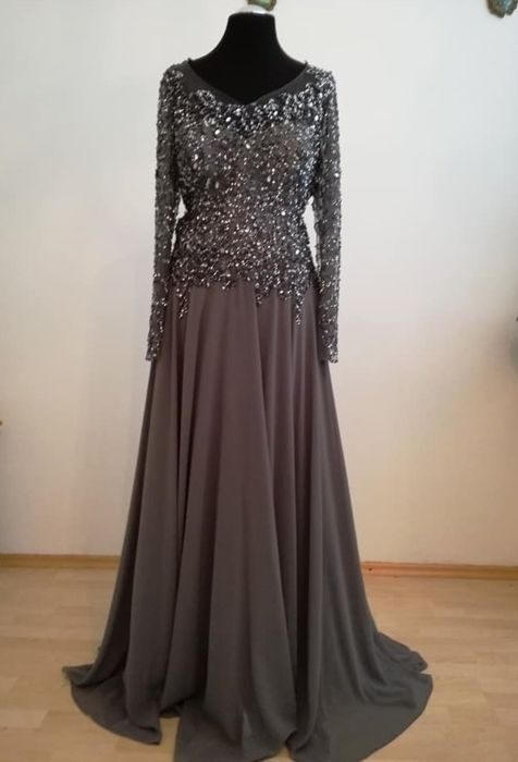 a89506c968a robe soiree dubai d occasion Plus de photos