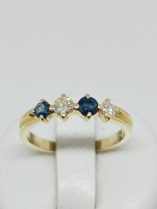 18 kt. Yellow gold - Ring - 0.30 ct Diamond - Sapphires