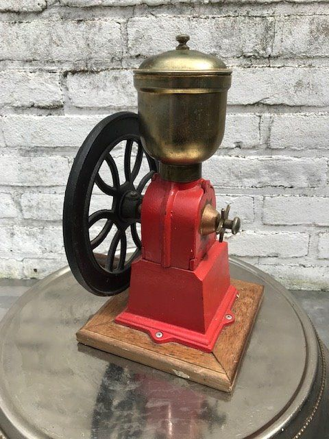 coffee grinder / grinder (1) - wood / metal