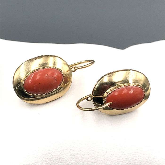 18 kt. Yellow gold - Earrings coral