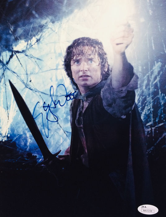 Elijah Wood ( Lord of the Rings ) - Signed Photo ( 20 x 25 cm ) - with Certificate Of Authenticity JSA