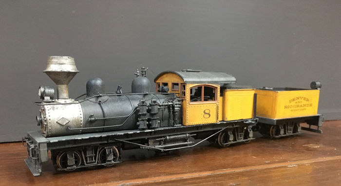 Roundhouse Products H0m - 360 - Steam locomotive with tender