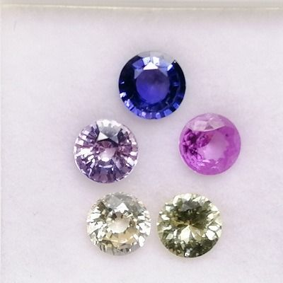 5 pcs Multicolor Saphir - 2.80 ct