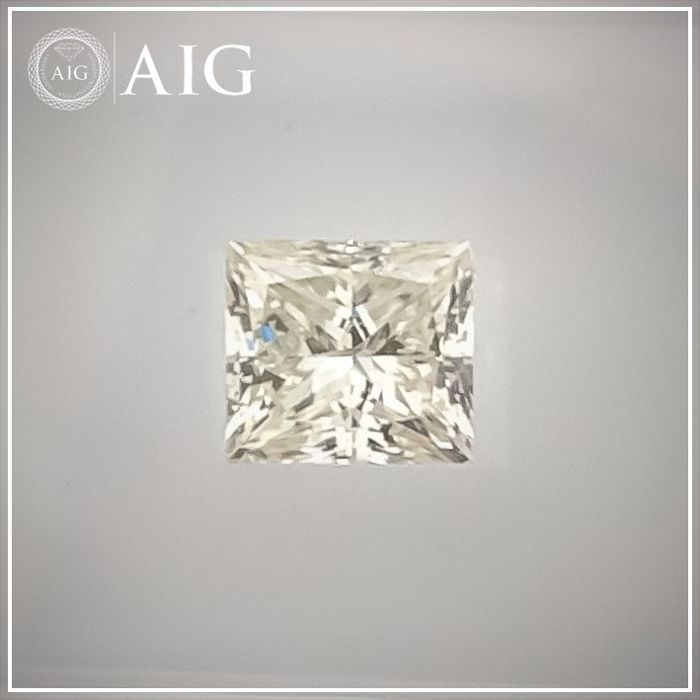 Diamond - 0.73 ct - Princess - I - SI2