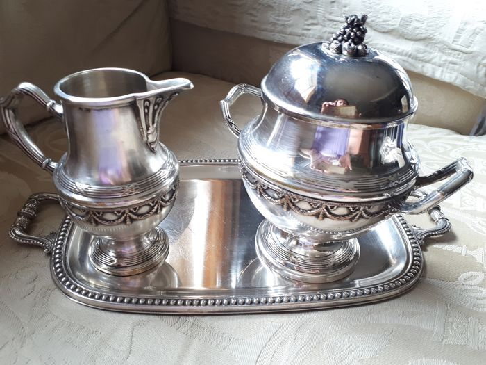 Milk jug, Sugar pot, Tray (3) - Silver plated - U.K. - mid 20th century