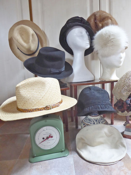 d1dccc10b Lot of vintage women's hats from the 30s and 80s (11) - Fur, velvet ...