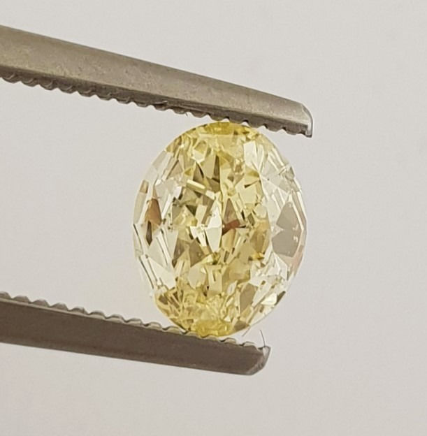Diamant - 0.63 ct - Oval - Natural Fancy Intense Yellow - SI1