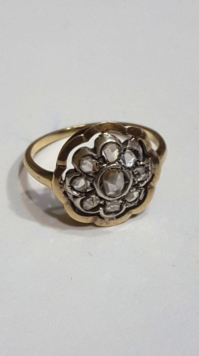 Yellow gold (18 kt) - Silver - 18th Century - Ring with old rose cut diamond - Diamonds