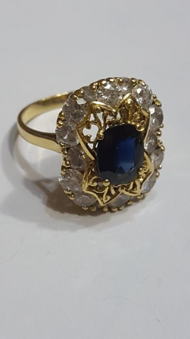 18 kt. Yellow gold - Ring - 2.00 ct improved treated blue sapphire - Sapphires