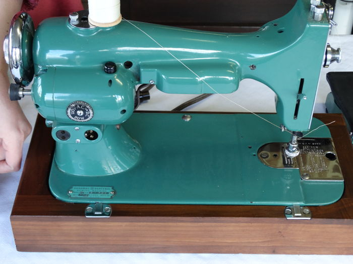 General Electric model R-40 - Naaimachine - Onbekend