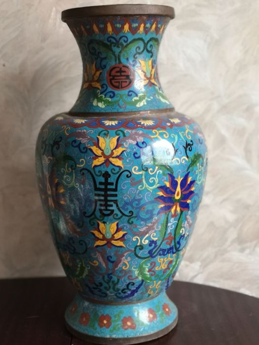 Grote cloisonne vaas - Cloisonné emaille - China - Tweede helft 20e eeuw