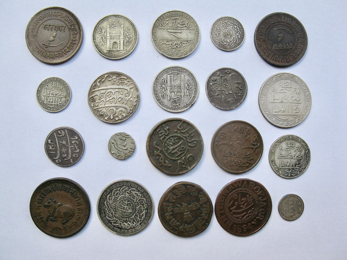 India - Lot Comprising 20 AR & AE coins - 19th Century - Brons, Koper, Zilver