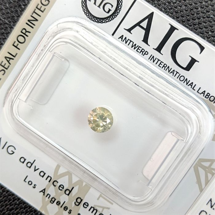 Diamante - 0.30 ct - Brillante - fancy intens yellow green - No Reserve Price, VS2