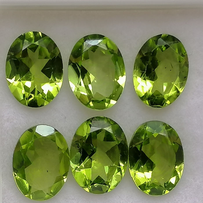 6 pcs  Peridoto - 6.85 ct