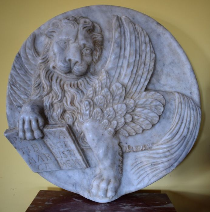 Lion of St. Mark, Serenissima in high relief - Marble - Late 20th century