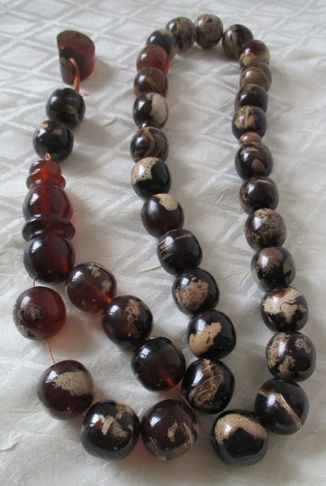 Tesbih / necklace 35 x 20 mm large red - white amber beads (1) - Amber