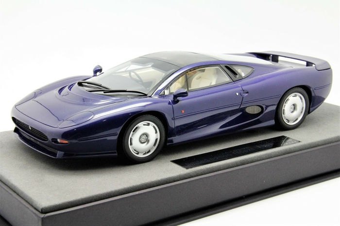 Top Marques - 1:18 - Jaguar XJ 220 - Limited Edition of 150 pcs.