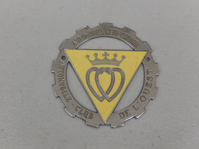 Insignia - French Automobile Club De L'Ouest Club Vendeen Car Badge Auto Emblem - 1970-1980