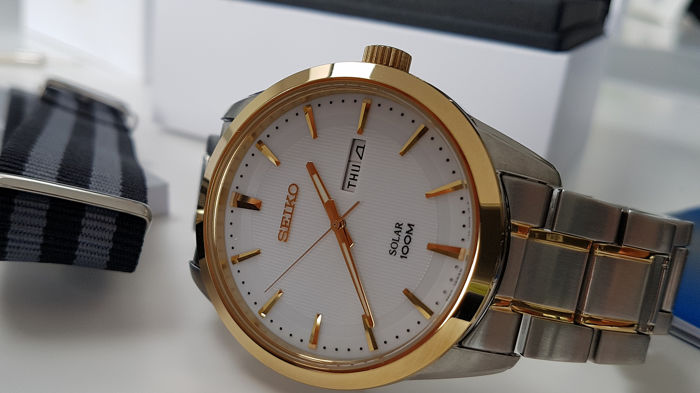 Seiko - Solar Gold Plated And steel with solid bracelet unworn + free omega style army military strap - Férfi - 2019