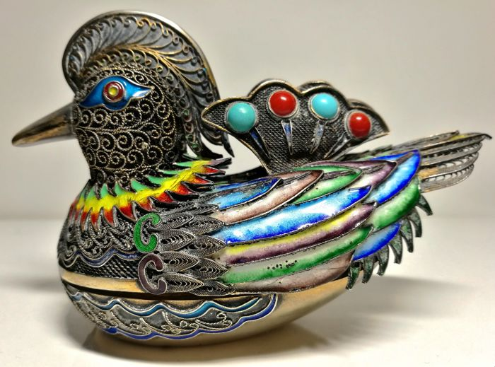 Fabulous Box depicting Duck - Silver, Enamel, Filigree, Coral, Turquoise - China - mid 20th century