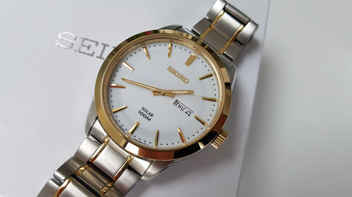 Seiko - Solar Luxury Gold Plated And steel with solid bracelet unworn + free omega style army military strap - Heren - 2019