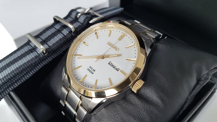 Seiko - Solar Luxury Gold Plated And steel with solid bracelet unworn + free omega style army military strap - Herren - 2019