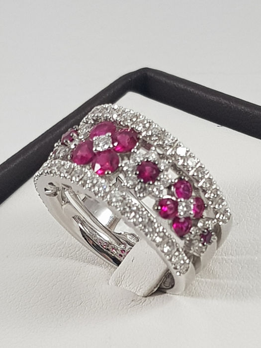 Crivelli - 18 quilates Oro blanco - Anillo - 1.54 ct Rubí - Diamantes