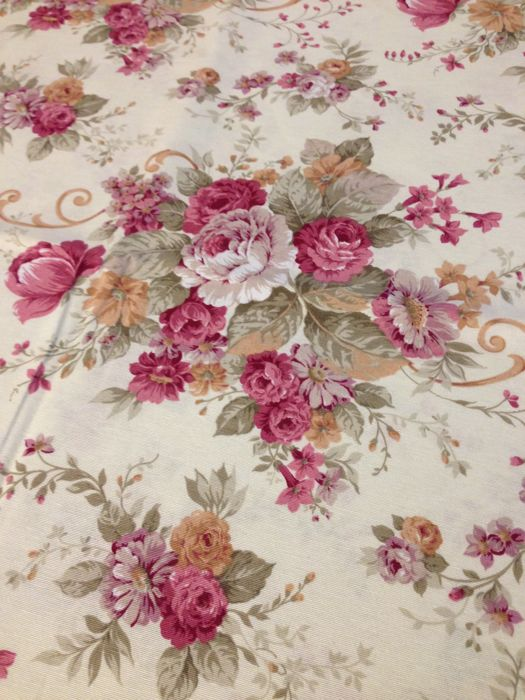 m 2.8 x 2.7 sanderson-style shabby fabric with a bouquet of roses - Romantic - shades of antique rose on an ivory background - 1975-2000