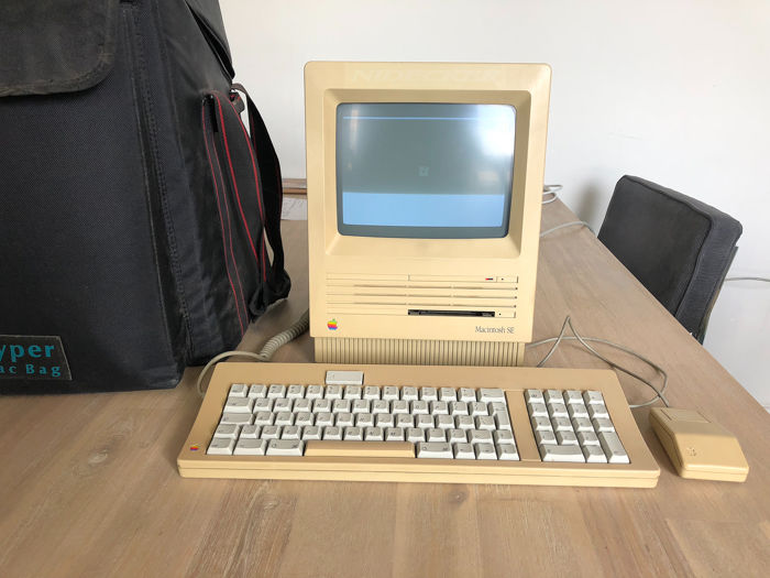 Apple Macintosh SE - M5011 - working - Vintage computer