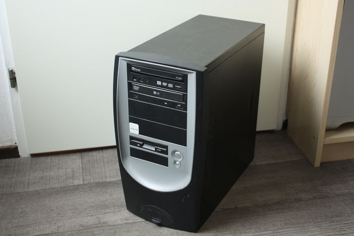 Custom built Vintage gaming PC - AMD Athlon 1300+, 1GB
