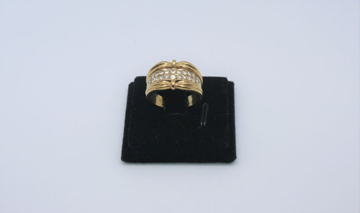 N/A - 19,2 kt. Yellow gold - Ring - Diamonds