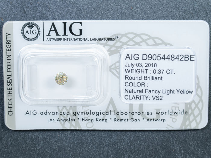 Diamant - 0.37 ct - Briljant - fancy light yellow - VS2