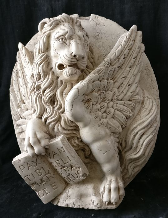 High Relief - Lion of Saint Mark - 55 x 70 cm - Marmor Biancone d'Asiago
