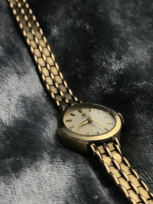 Omega - Full gold cocktail watch with box! - Mujer - 1960s