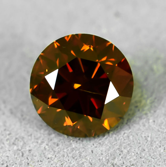 Diamond - 0.70 ct - Brilliant - Fancy Deep Orange - Si1 - NO RESERVE PRICE