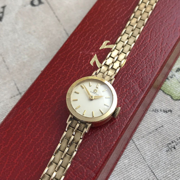 Omega - Full gold cocktail watch with box! - Women - 1960-1969