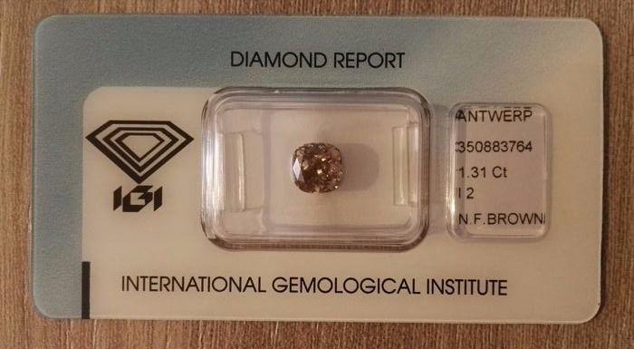 1 pcs Diamant - 1.31 ct - Cushion - fancy brown - P2