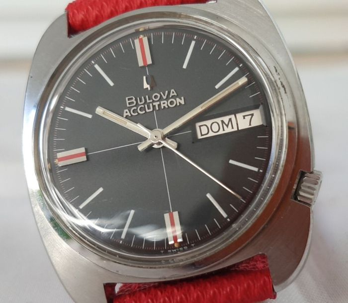 Bulova - Accutron Day & Date - 1-973793 - Heren - 1960-1969