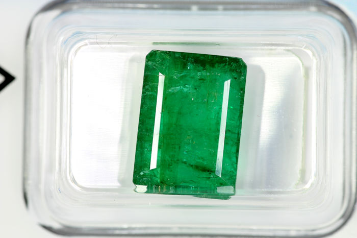 Good Color Quality - Esmeralda - 6.16 ct