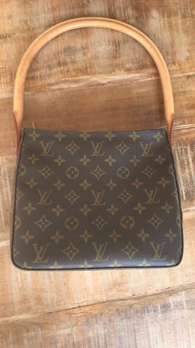 7d930b8387e1 Louis Vuitton - Looping MM Shoulder bag Bags Exclusive Bags for sale More  pictures. Catawiki