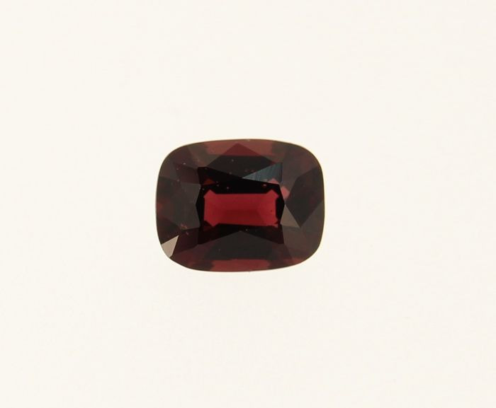 Rood Spinel - 0.99 ct