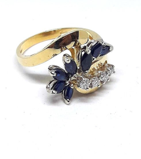 18 kraat Gulguld - Ring - 0.40 ct Safir - Diamanter