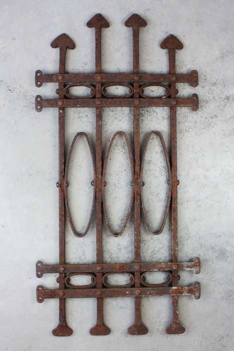Wrought iron door or window grille - Iron (wrought) - 19th century