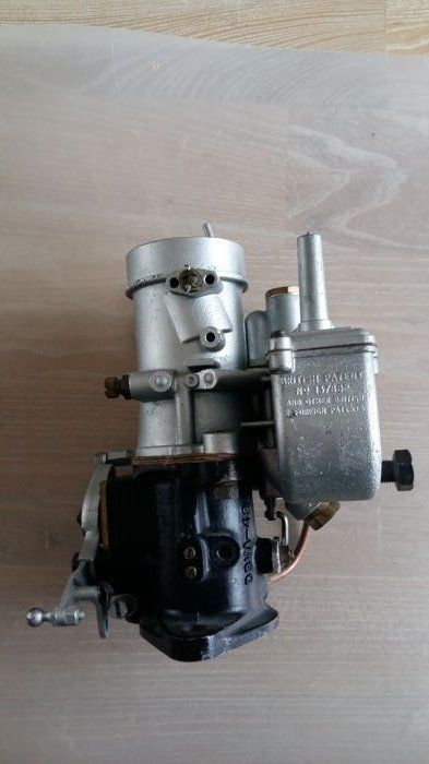 Engine / engine parts - Stromberg carburetor made by the Zenith
