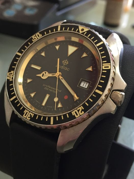 Zodiac -  sub red point  - 106 23 26 - Homme - 1980-1989