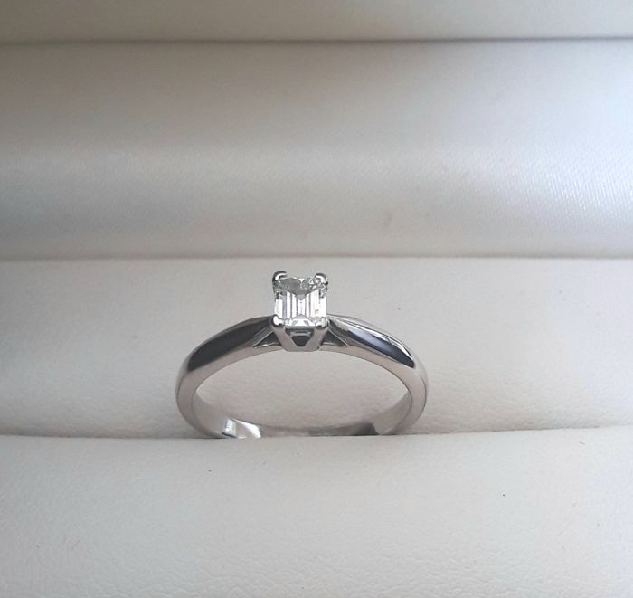 950  Platinum - Ring - 0.50 ct Diamond