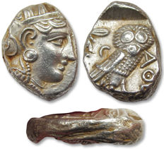 Griechenland (Antike) - Attica, Athens. AR tetradrachm, 353-294 B.C. - struck on folded old tetradrachm, 7 mm thick oval flan - Silber