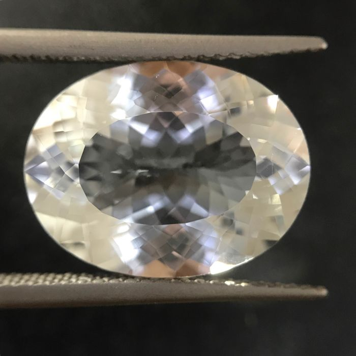 Wit Topaas - 10.59 ct