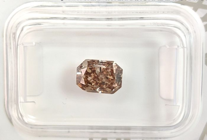 Diamant - 1.33 ct - Radiant - fancy yellowish brown - No Reserve Price, SI1