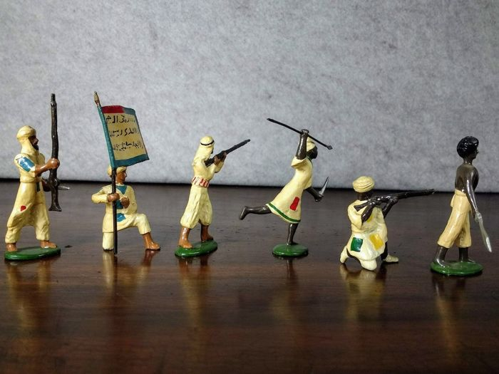 Dorset Model Soldiers Co  - Egypt and Sudan Campaign - Hand painted metal  toy soldiers 54 mm originals boxes Dervishes attacking and Sudan Egyptian